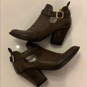 Mia Clairre brown boots